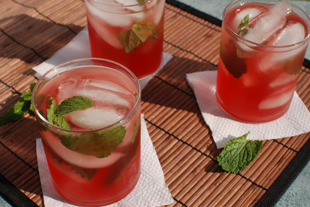 14 Healthy and Delicious Summer Cocktails